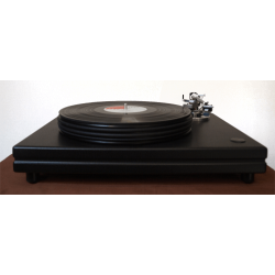 Her ser du Interspace Junior med tonearm fra Nottingham Analogue