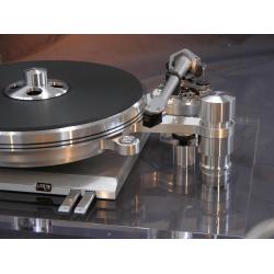 Her ser du Delphi Mk VI fra Oracle Audio