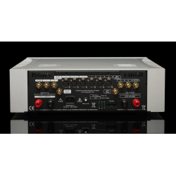 Her ser du 925 Integrated amplifier 135W fra Trilogy Audio